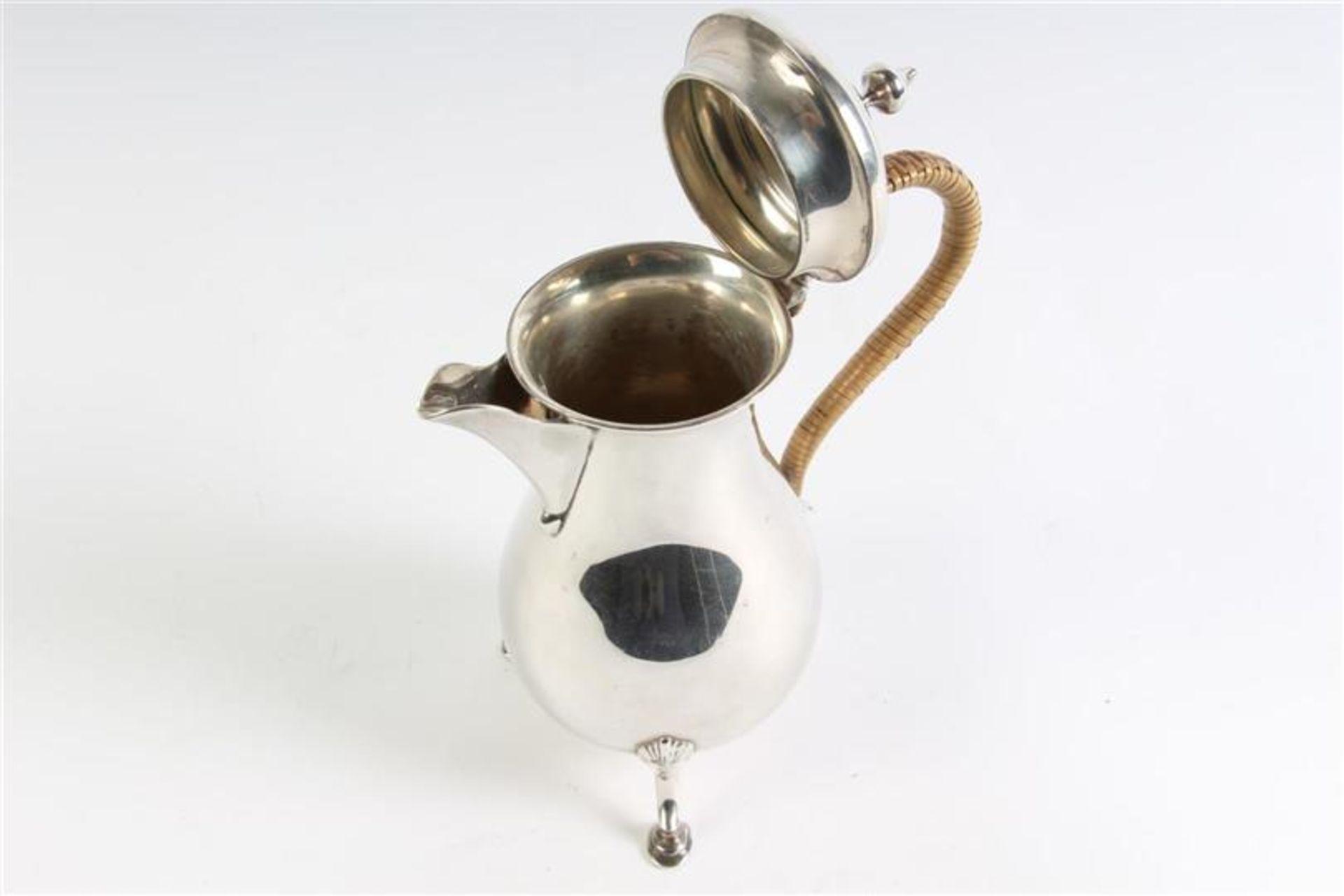 Zilveren kannetje met rotan oor, Engels gekeurd. Gewicht: 355.7 g. - Bild 4 aus 5