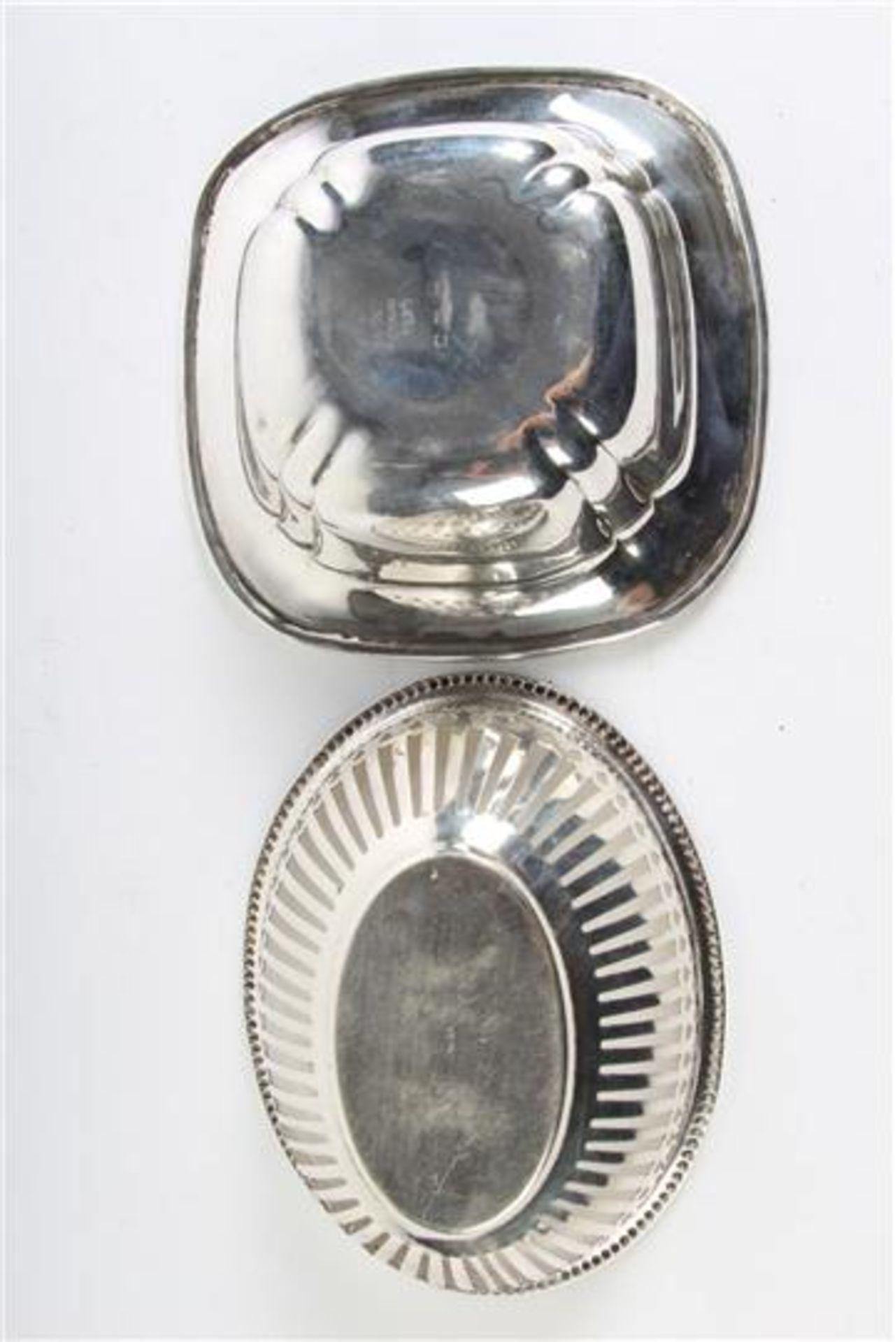 Set van vijf diverse mandjes, waaronder zilver Hollands gekeurd. Gewicht: 396 g. - Bild 6 aus 6