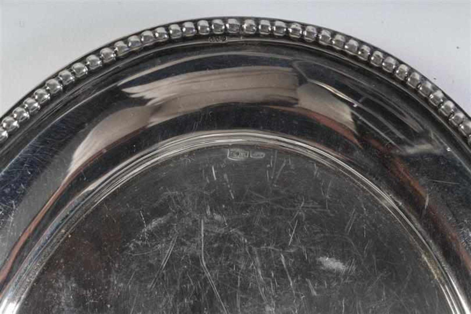 Driedelig zilveren roomsetje met parelrand. L: 18.5 cm. Gewicht: 293 g. - Bild 5 aus 5