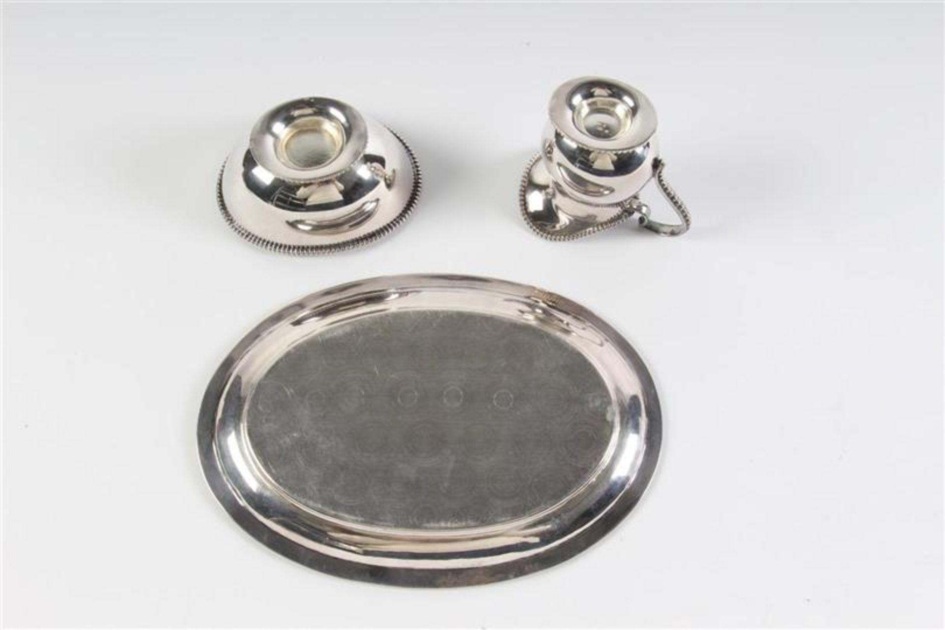 Driedelig zilveren roomsetje met parelrand. L: 18.5 cm. Gewicht: 293 g. - Bild 2 aus 5