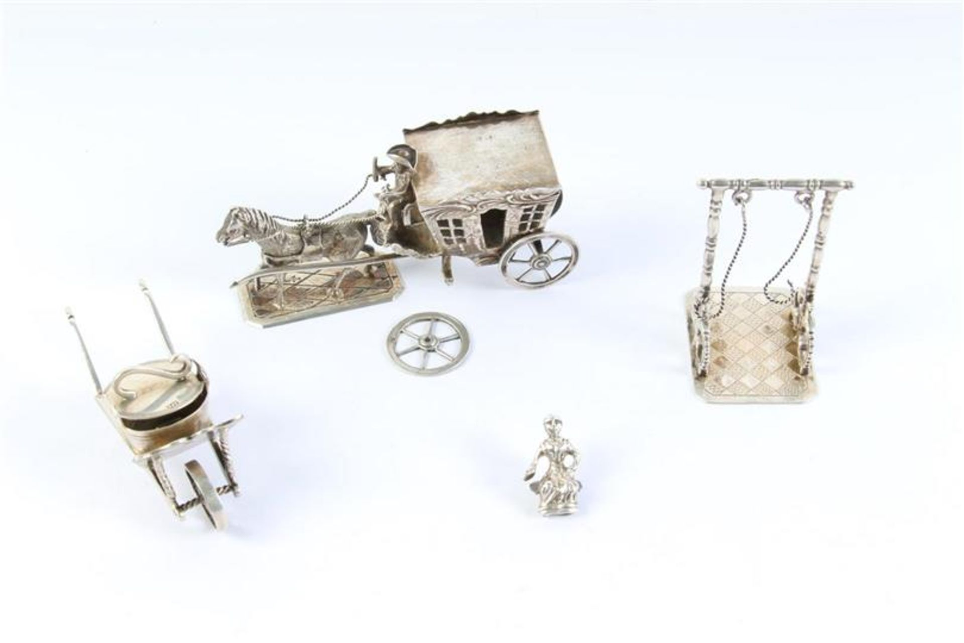Set van drie zilveren miniaturen, Hollands gekeurd. Gewicht: 99.1 g. - Bild 2 aus 2