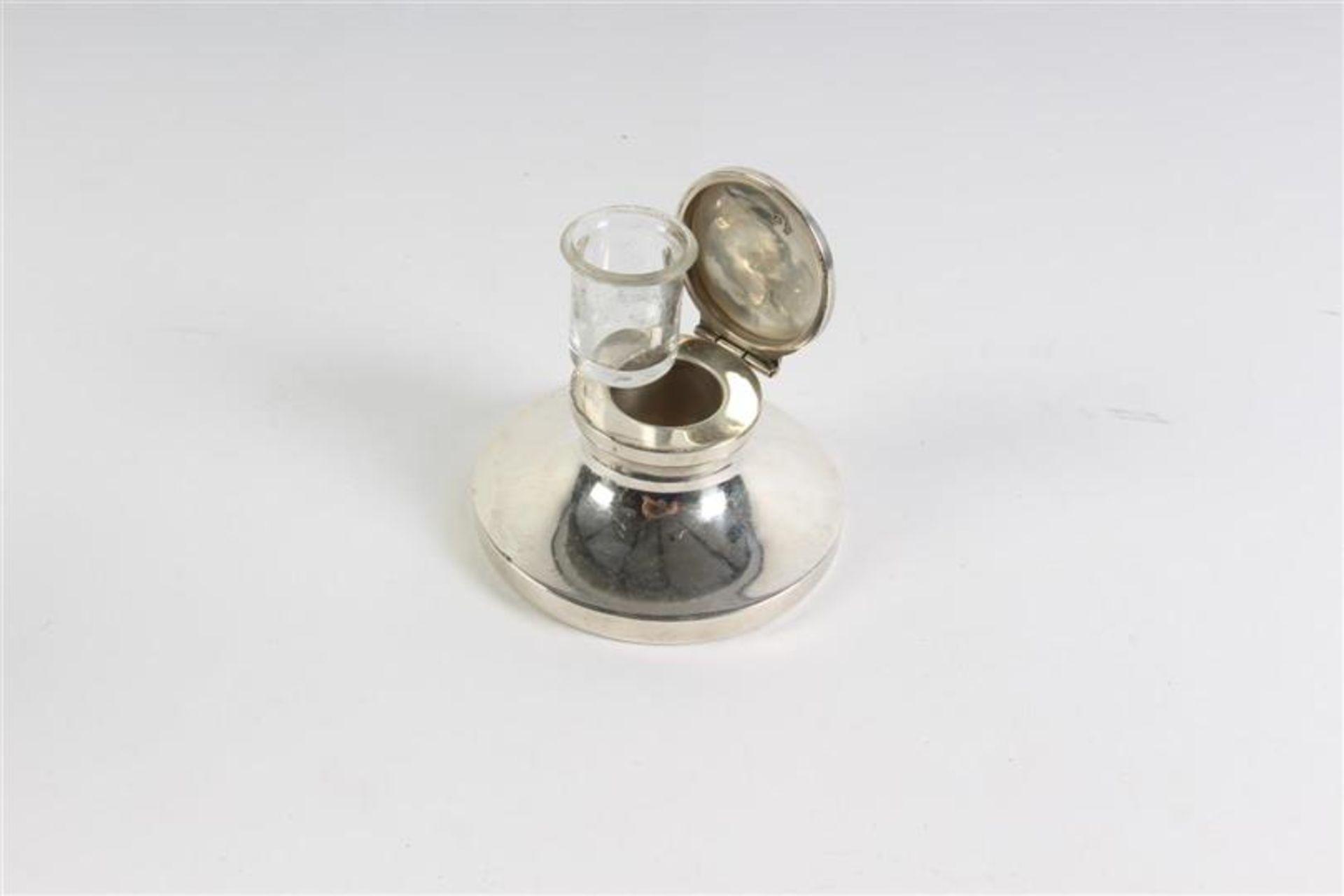 Zilveren met houten inktdepper en een zilveren inktpotje. - Bild 5 aus 5