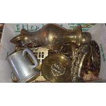 Box of Vintage & Retro Brassware Items