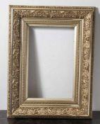 Goldstuckrahmen, Historismus, 19. Jahrhundert. Bildausschnitt ca. 38 x 58 cm, guter Zustand.