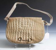 Handtasche, Krokodilleder, beige/braun, rechteckige Form nach unten hin rund gefasst, vorne mit