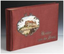 """Album für Postkarten, wohl 1920er Jahre, auf Einband bez. """"Grüße aus der Ferne"""" sowie gesticktes"""