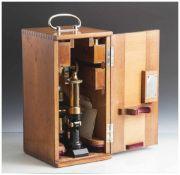 Mikroskop Ernst Leitz, Wetzlar um 1905, Nr. 82940, Vergrößerungen bei 170 mm Tubuslänge und 250 mm