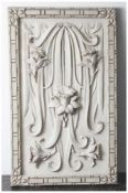 Wandapplikation aus der Zeit des Jugendstils, um 1900, wohl Alabaster, plastisch gearbeitete
