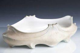 """Muschelförmige Schale in der Art des Jugendstil, Sevres, auf Boden Marke """"Dreieck bez. S 1904"""","""