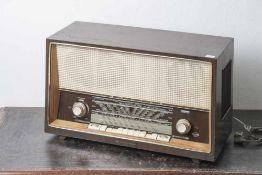 Radio, Kürtig Grassau Chiemgau, Baujahr 1957/58. Ca. 65 x 39,5 x 26 cm.