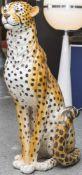 Große Tierplastik, sitzender Gepard, wohl 70er/80er Jahre, Keramik, farbig staffiert, Herkunft