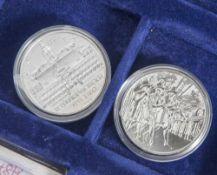 """Konvolut von 2 Silbermünzen, 10 Euro, Österreich, 2002, PP, 1x """"Schloss Ambras"""", 1x """"Johannes"""