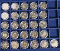 Konvolut von 26 Münzen, 2 Euro, 2010, Stempelglanz, div. Länder u. Motive, Münzen jew. in Kapseln u.