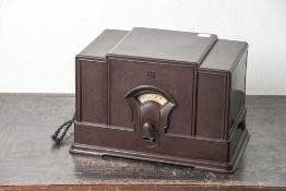 Radio, Hersteller Telefunken, Modell 231 W, Langwelle/ Mittelwelle, Gehäuse Bakelit, Tischgerät.