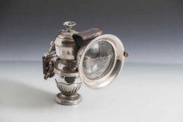 Karbidlampe für Fahrrad oder Moped, wohl um 1900, konisch gearbeiteter Korpus auf Rundfuß,