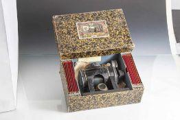 Laterna Magica, Projektionsgerät, auch Skioptikon genannt, 19. Jahrhundert, Lehmann, Blech, mit 12