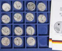 14 Silbermünzen, 10 Euro, 2004, BRD, PP, Bauhaus Dessau, Münzen in Kapsel und blauer Samteinlage.