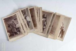 23 Postkarten, 1890/1900, versch. Motive, überwiegend Personenaufnahmen, bez. Cairo. Ca. 13 x 8,5