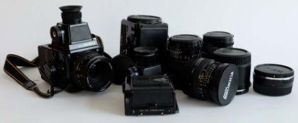 MITTELFORMATKAMERA, Hersteller Zenza Bronica/ Japan, Modell SQ-Ai 6x6, Seriennr. 2337958,