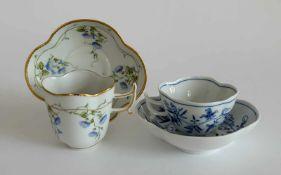2 VIERPASSTASSEN MIT UNTERER, Staatliche Porzellan-Manufaktur Meissen, Zwiebelmuster, bzw. Herend,