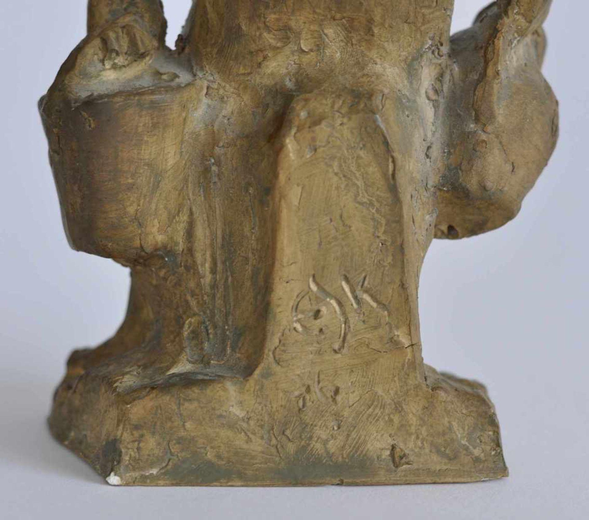 SCHÖNBOHM-KELLER, Elsbeth (*1901 Stuttgart +1992), Skulptur, weißer Ton, braun-changierend - Bild 2 aus 2