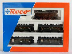 ZUGSET, E32 mit 4 Personenwagen, Herst. Roco/Bergheim, Spur H0, Nr. 43923, minimalst bespielt, orig.