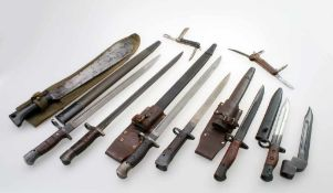 1. + 2. Weltkrieg USA / GB - 10 Teile - Bajonette No. 1 Mark III, P17 etc., Jack Knifes, Machete