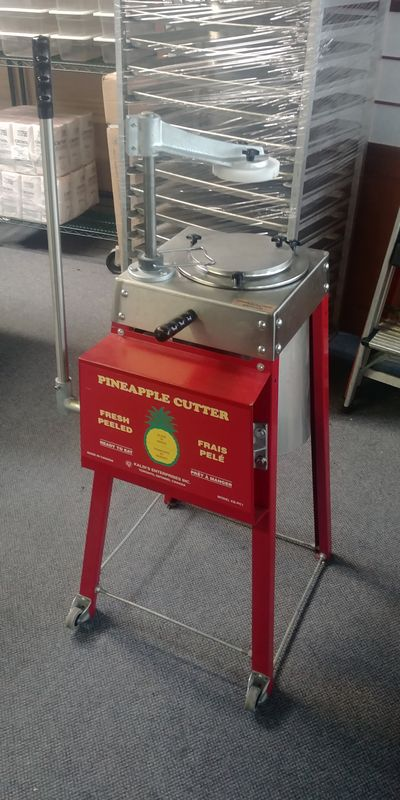 Lot 38 - Pineapple Cutter