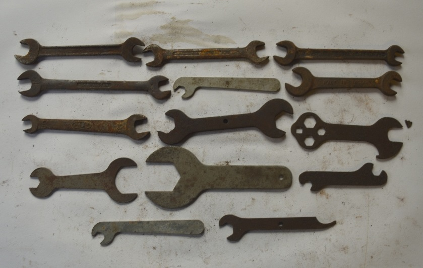 Lot 19 - A collection of small BSW - BSF spanners.