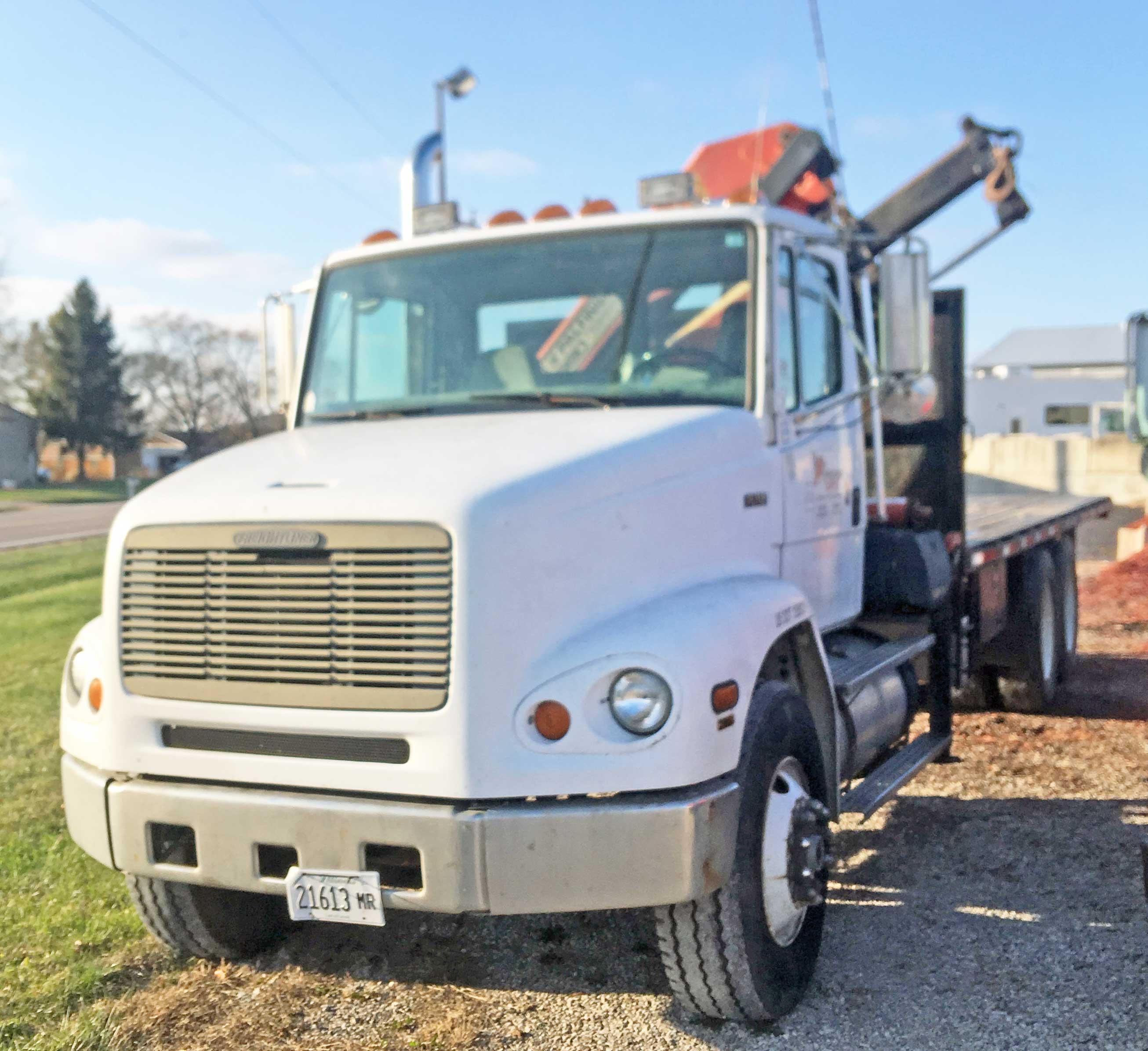 Lot 1 - 1996 Freightliner FL112 Boom Truck. 6 Speed. 198,000 miles. Vin# 1FVXTMDB3TL772251