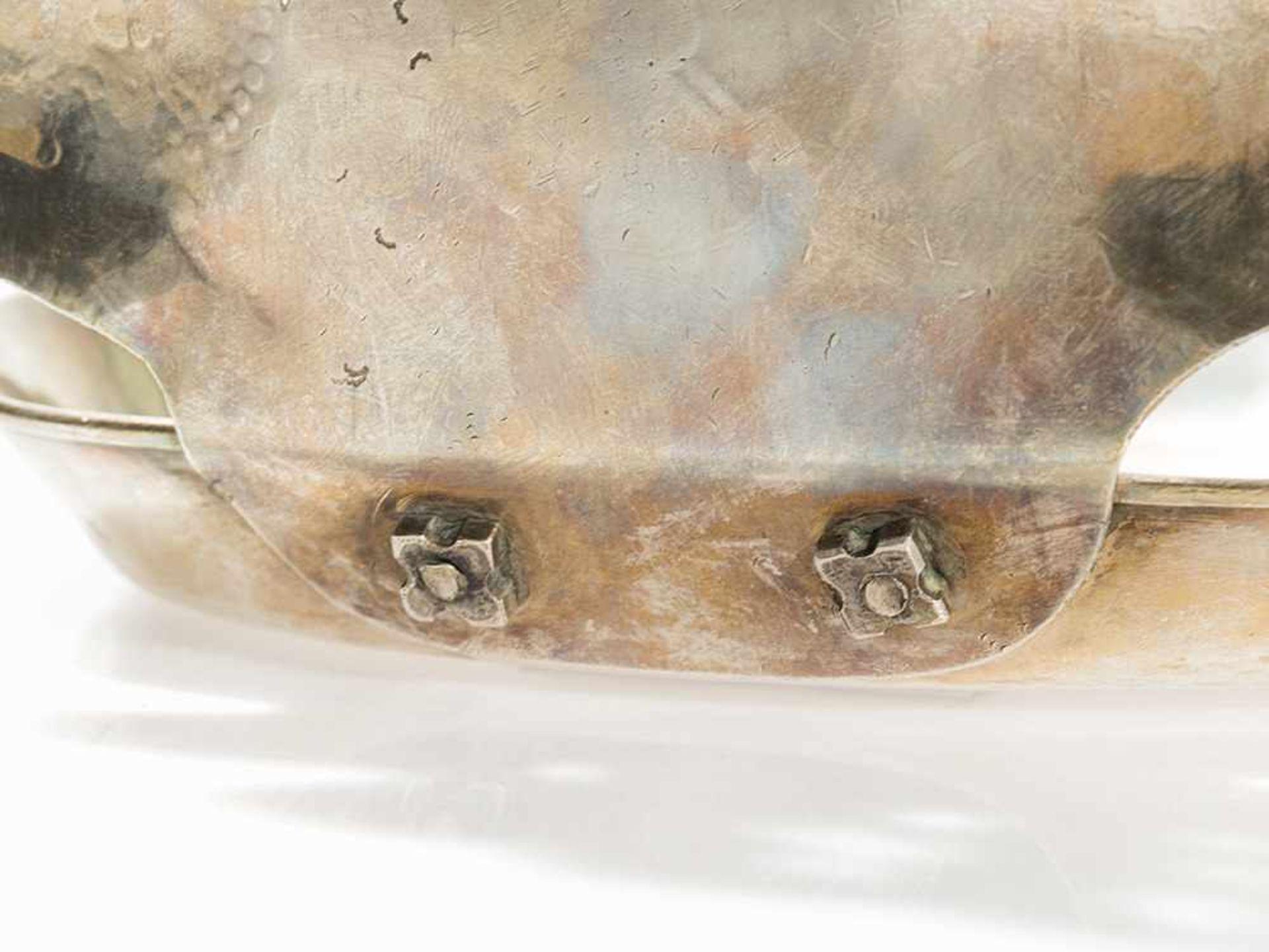 Los 82 - Silberner Handleuchter mit Offener Rückblende, Mexiko, 19. Jh. Silber, gegossen, getrieben,
