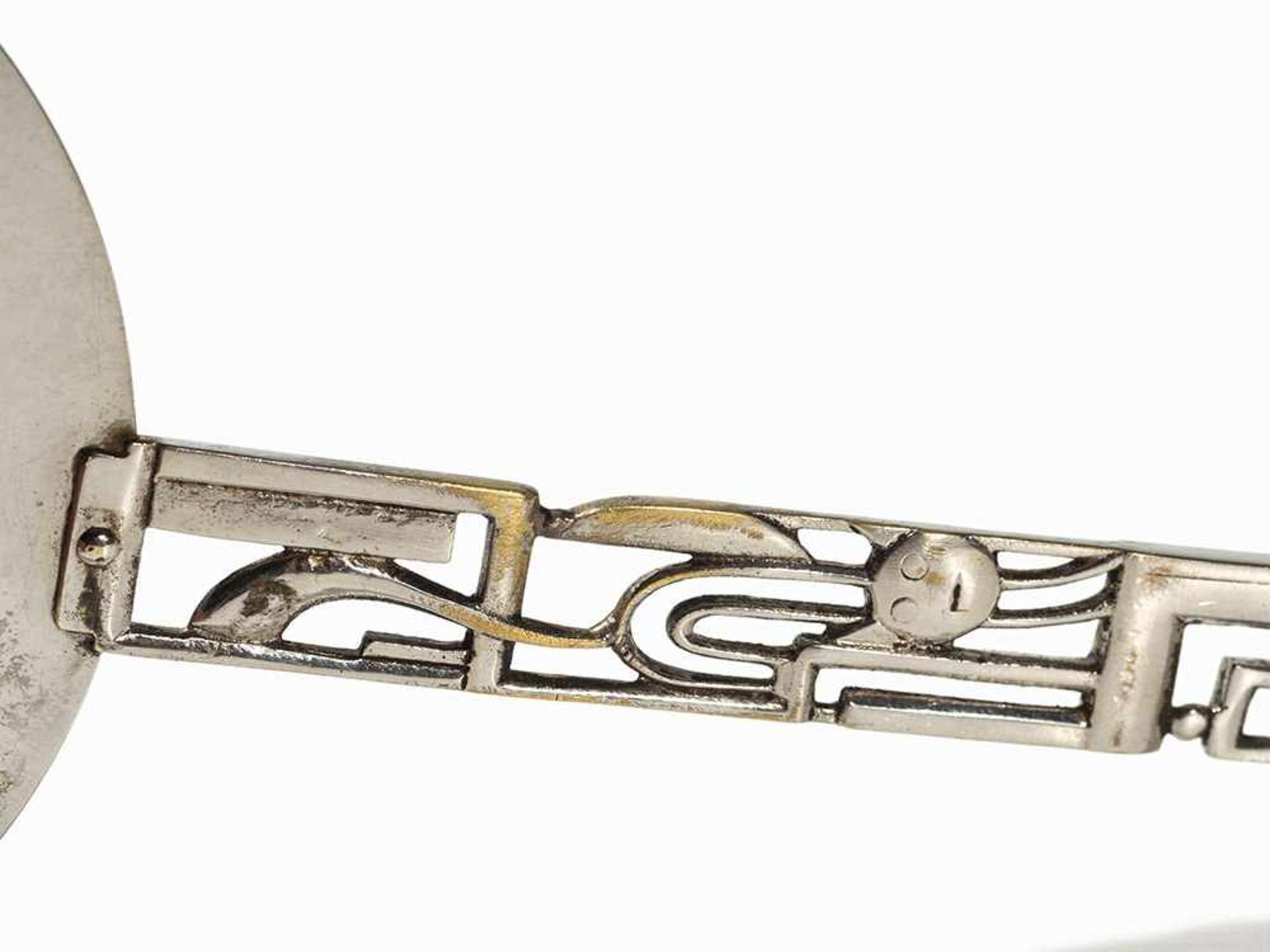 Los 111 - Werkstätte Hagenauer, Handspiegel, Geometrischer Dekor, 1920er Messing, vernickelt: Österreich,