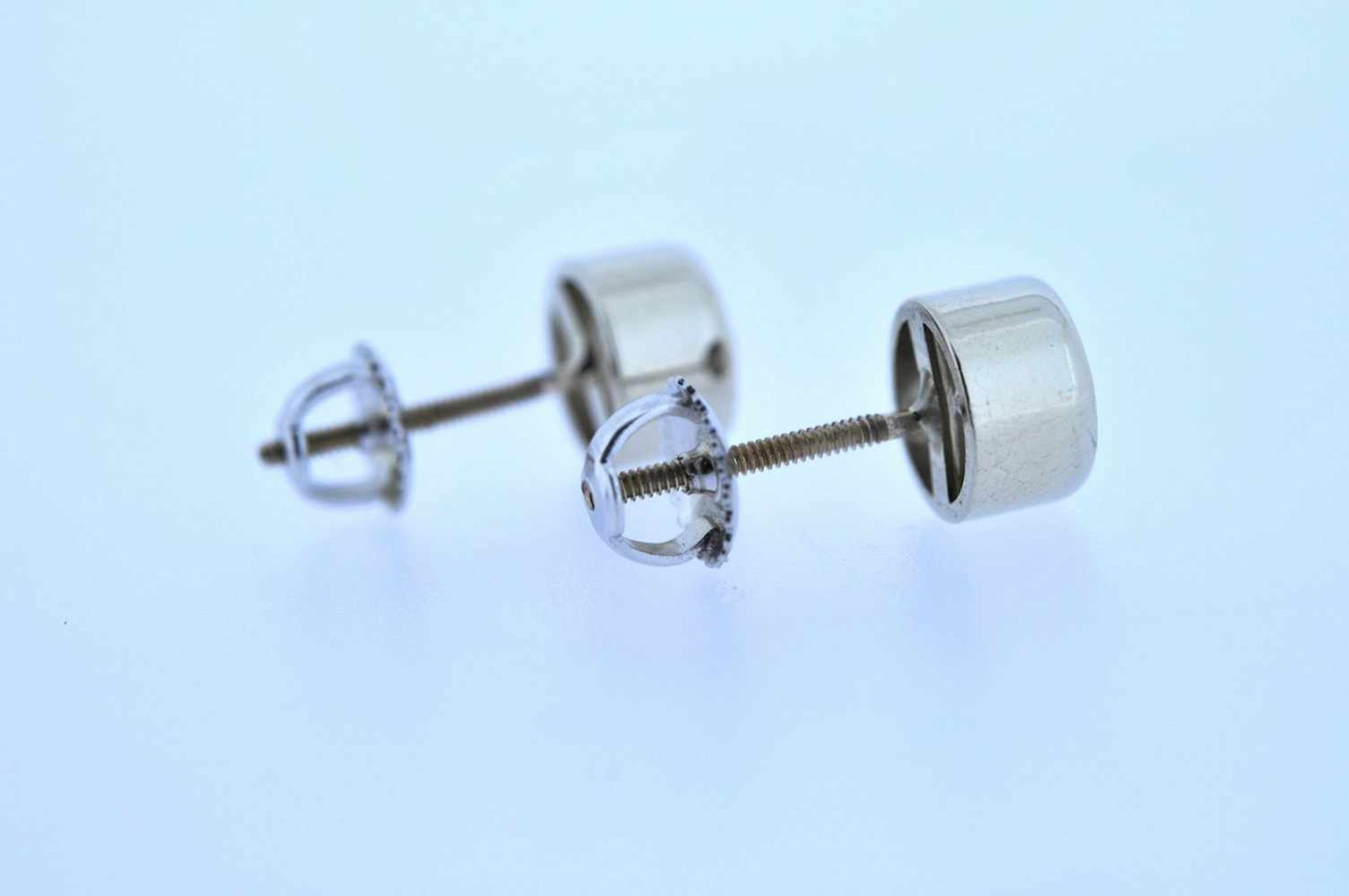 Los 47 - Ohrstecker Weißgoldene Ohrstecker mit je einem Brillanten, zus.ca. 1,8 ct, 3,34 g. Ear Studs Ear
