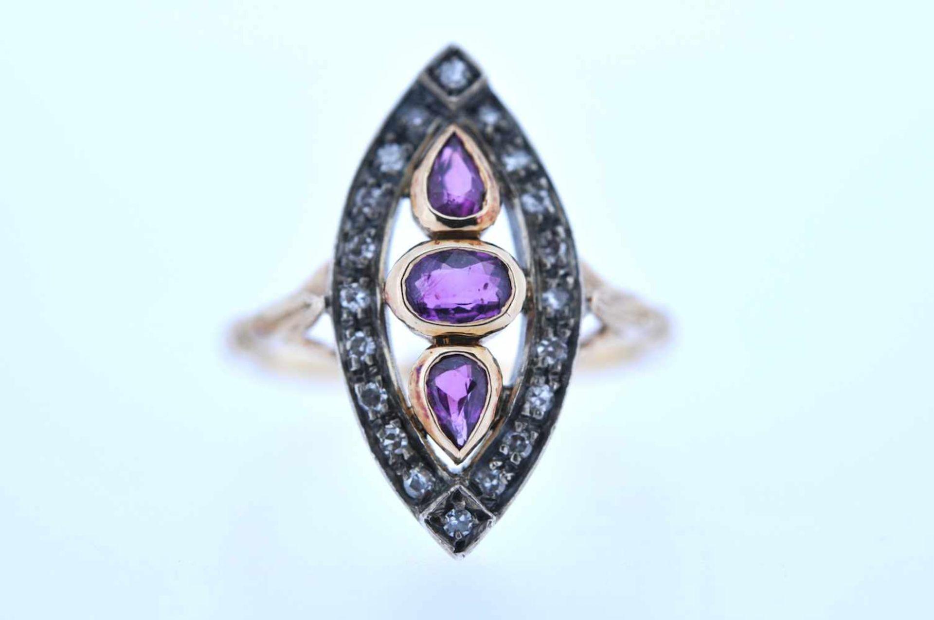 Los 42 - Ring Goldener Ring mit Diamanten, zus. ca. 0,15 ct, und Rubine, zus. ca. 0,5 ct, Ringweite 53, 4,2