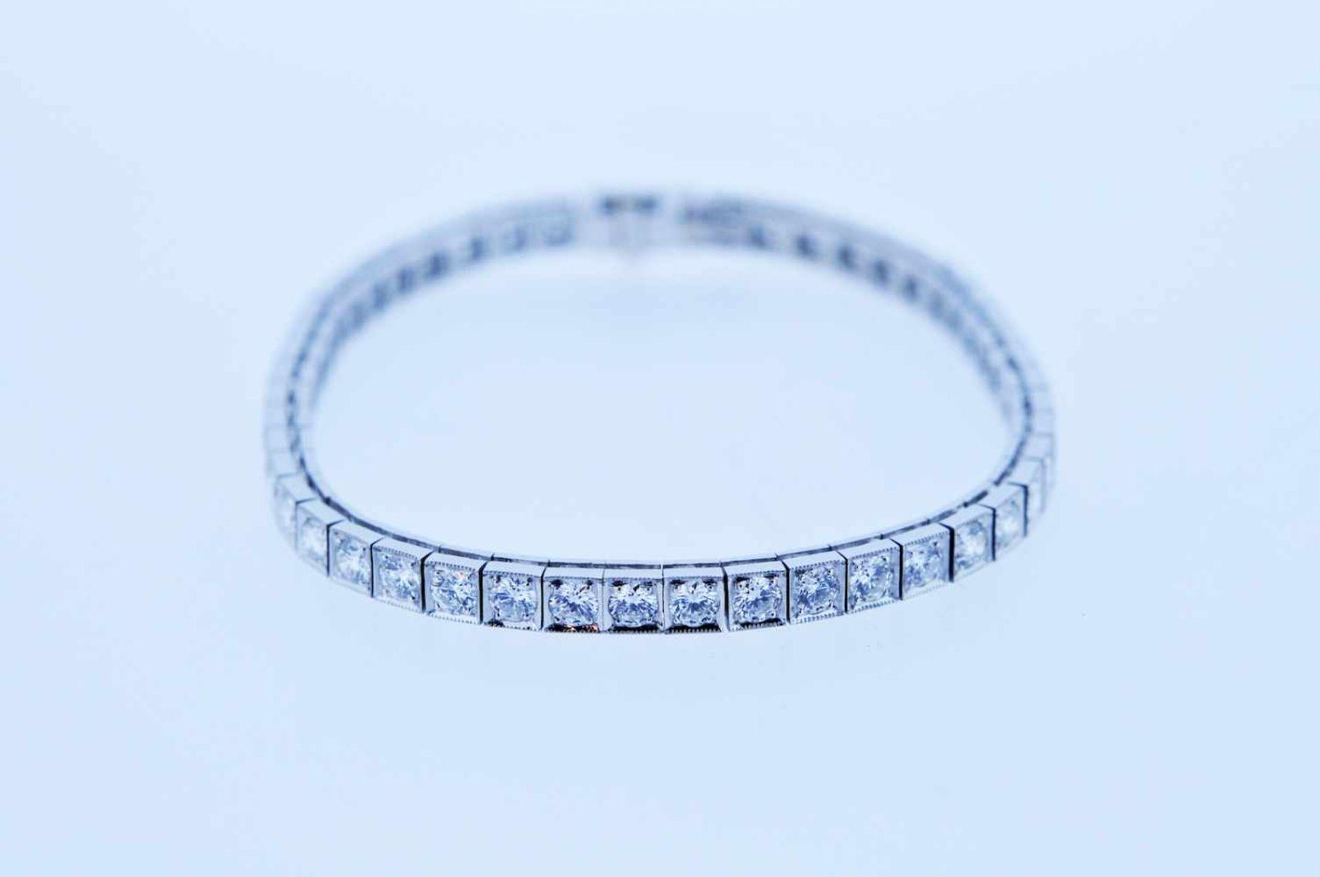 Los 49 - Armband Platin Brillantarmband, zus.ca. 4,8 ct, Länge ca. 17,5 cm, 18,9 g. Bracelet Bracelet with