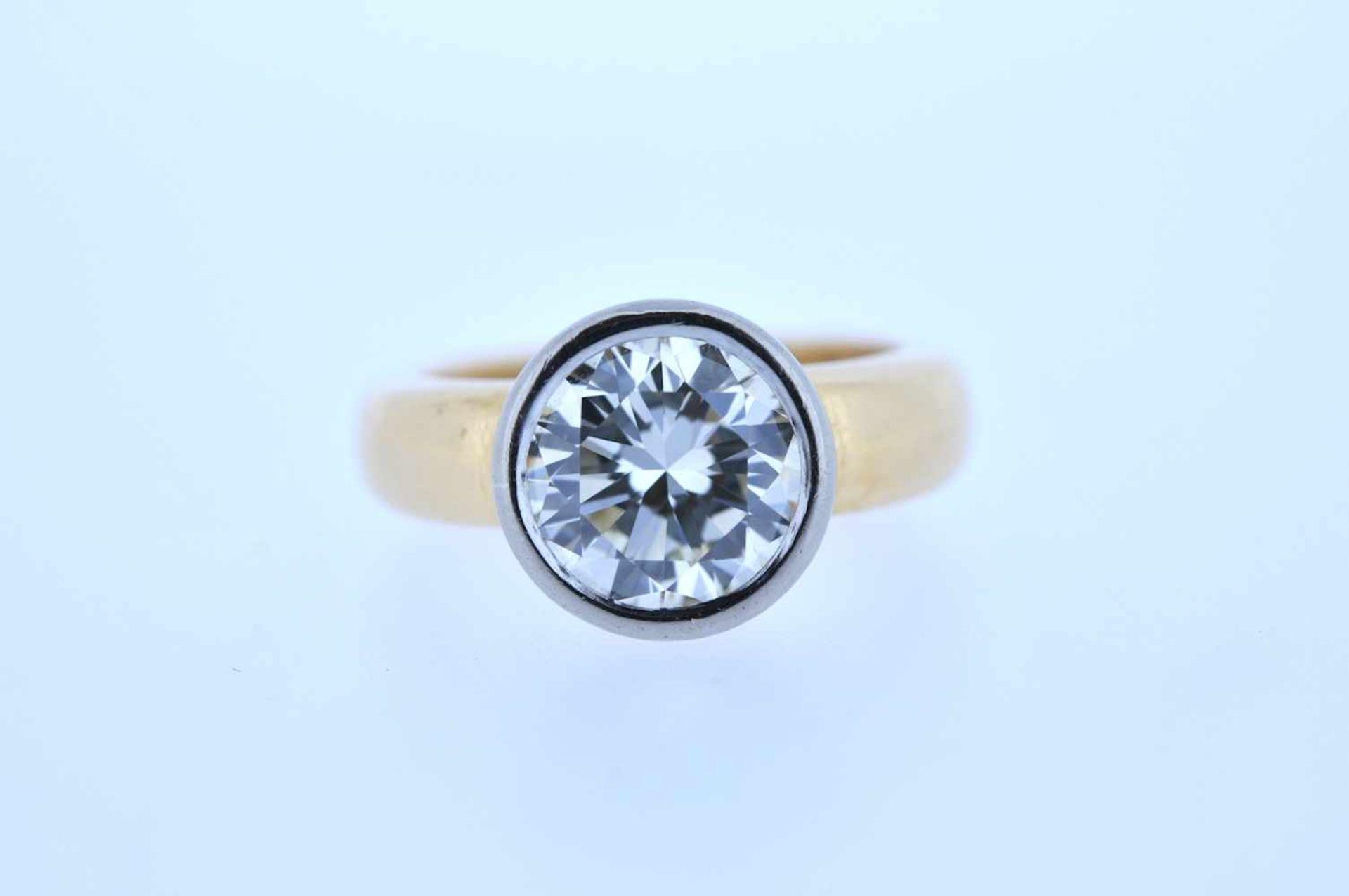 Los 46 - Ring Goldener 18kt Ring mit einem Brillant, ca. 3 ct, Ringweite 50, 9,38 g. Ring Ring with one round