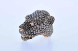 Panther Ring Rotgoldener 18 karätiger Ring mit Brillanten, zusammen 14,2 ct, Rw 54, 42,4 g.