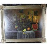 Stillleben mit Früchten, Kanne, Leuchter und Glas im Stil des 19. Jh., Öl auf Leinwand, Holzrahmen