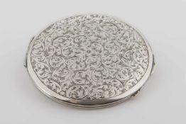 Silberne runde Puderdose Silber 800, florale Ziergravur, Innenspiegel, 74,9 g;