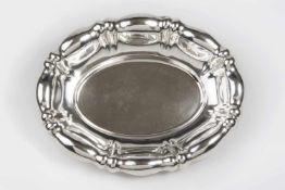 Ovale Silberschale gerade Faltenzüge, plastisch getriebene Wandung, Dianakopfpunze 1872-1922, 36 x