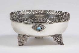 Silberne runde Anbieteschale Silber 800, auf 3 Füßchen, mit 3 behandelten Türkisen, Rand, Füße und