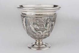 Fußbecher Silber 800, griechische Waldszenen, plastisch gearbeitet, abgesetzter Rand, Höhe ca.10 cm,