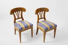 6 Sessel im Biedermeierstil Hartholzgestelle, Lehnen furniert und mit Sprossen verziert,