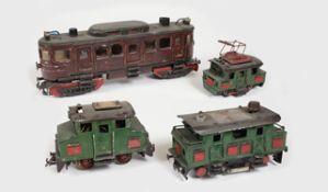 Eisenbahnen - Dekorationsstücke bestehend aus: 1 Personentriebwagen, 3 Verschublokomotiven,
