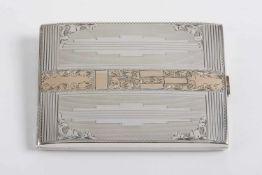 Rechteckiges Zigarettenetui Silber 900, feine Ziergravur, im Mittel vergoldet, 113,2 g;