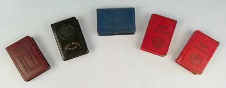 Unterschiedliche Sparkassen, in Form eines Buches, fehlen Schlüssel, 13x9,5 cm;