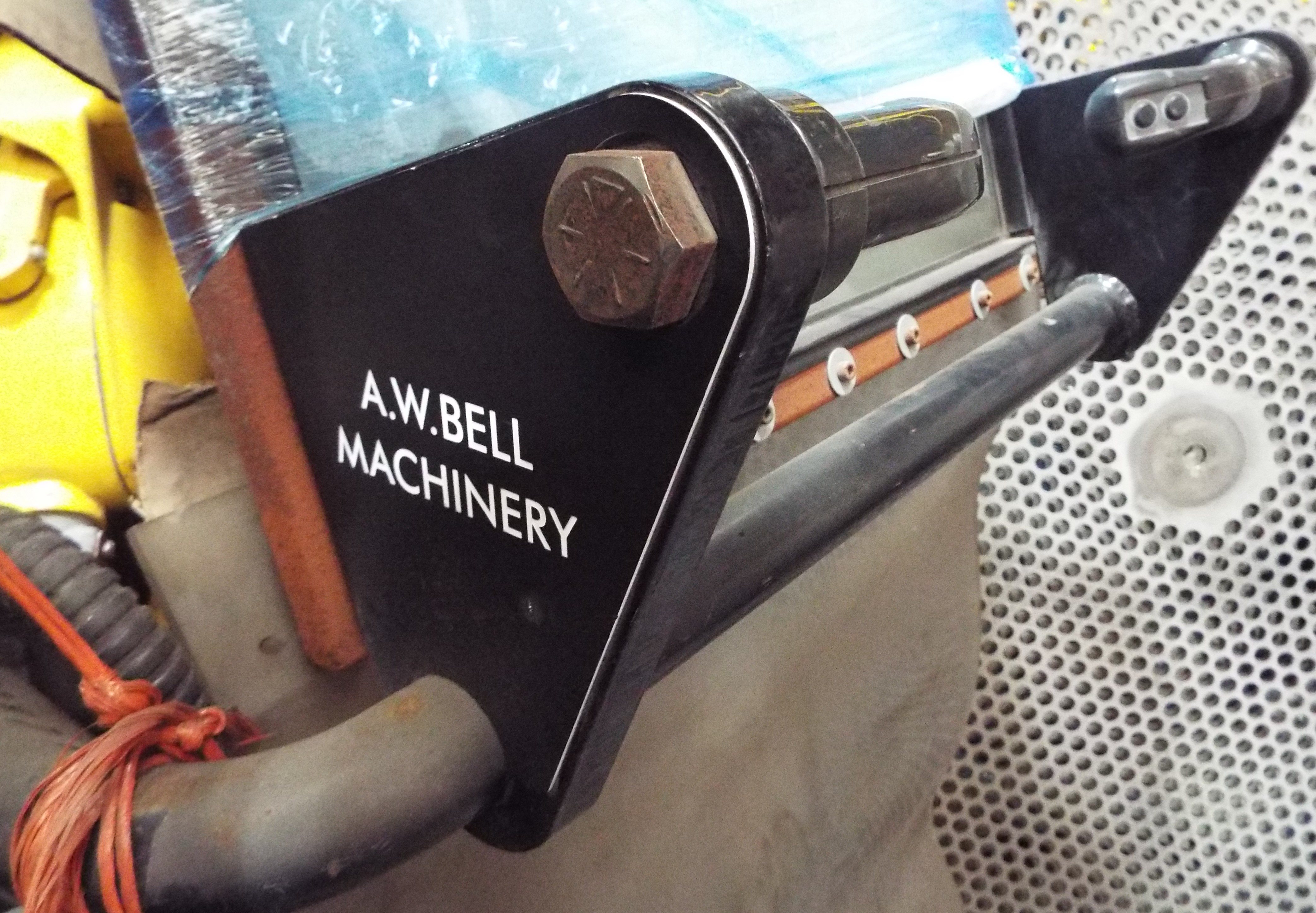Lot 8 - A W Bell MPS40 Manual Power Saw Complete With PCS 20 Clamping Attachment.