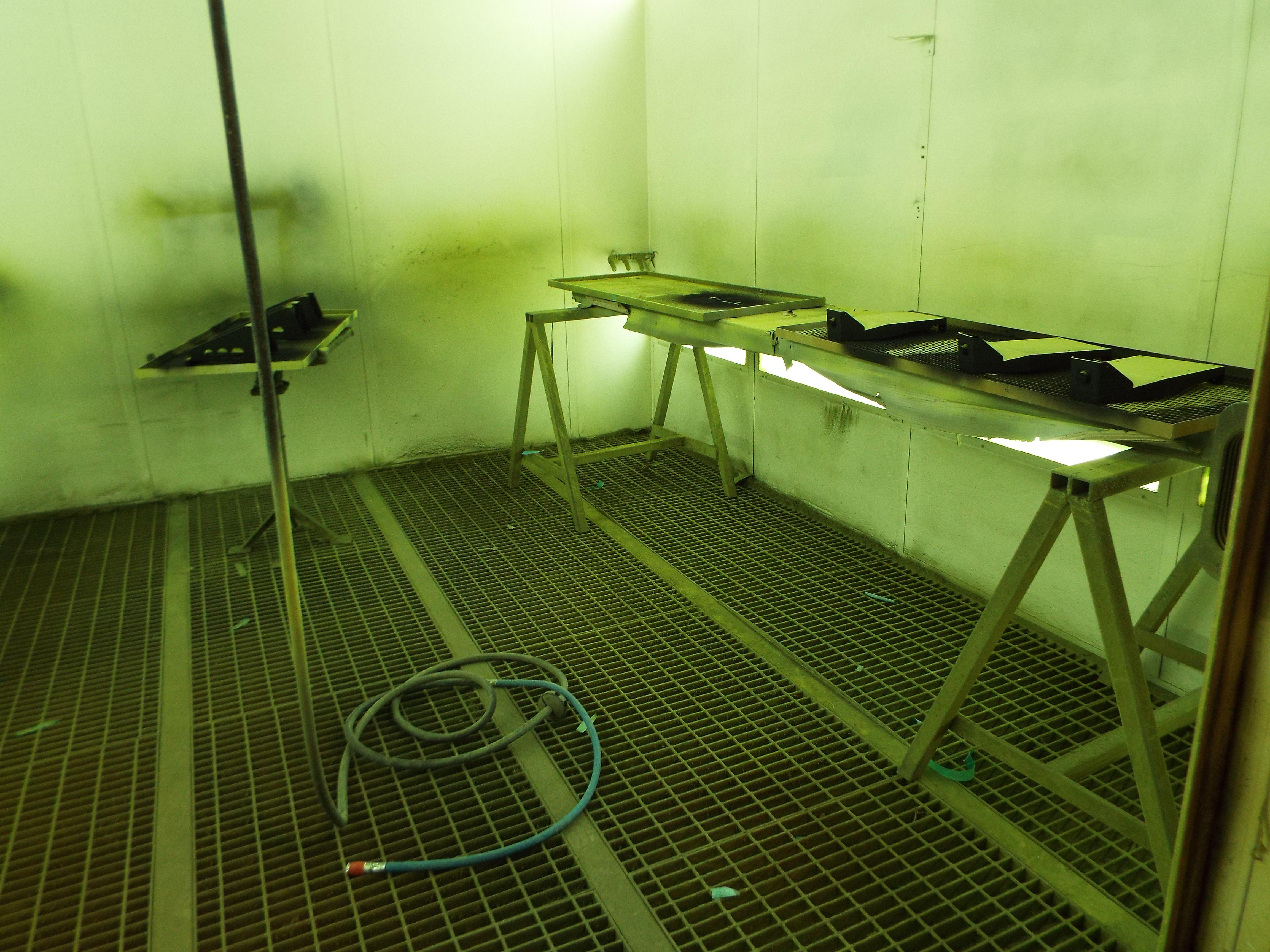 Lot 16 - CMC Eurotecno Spray Bake Booth