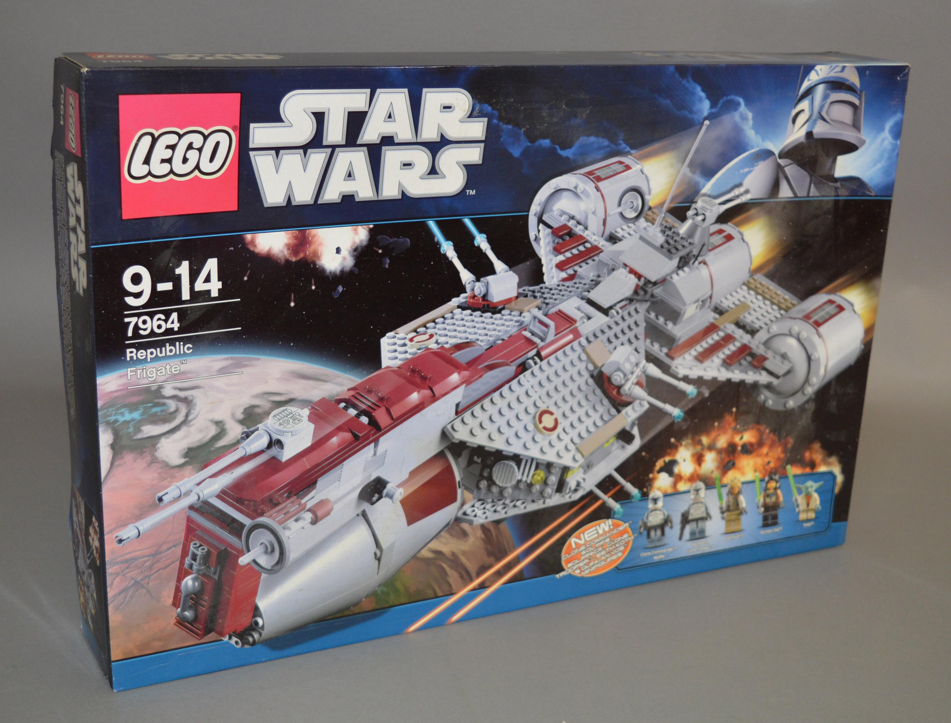 Lot 35 - Lego Star Wars 7964 'Republic Frigate', in generally G/G+ box.