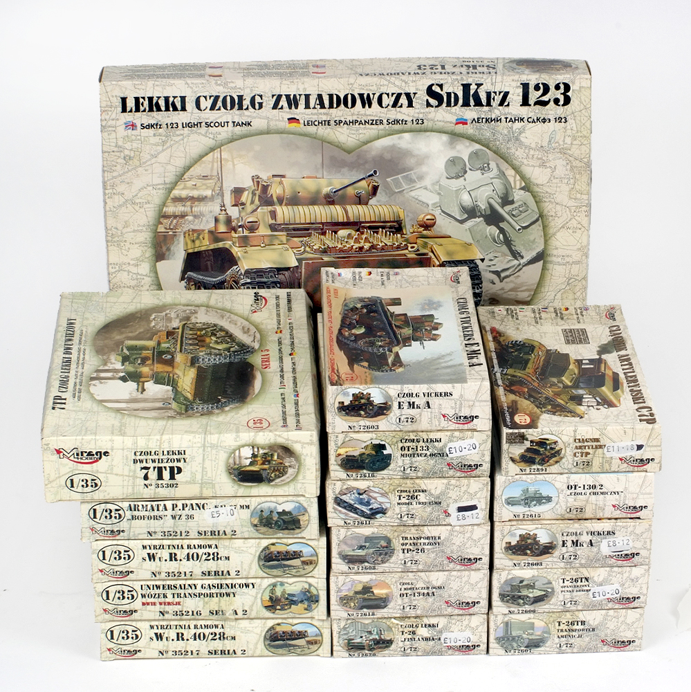 Lot 9 - 17 x Mirage military related plastic model kits, including transports and tanks.